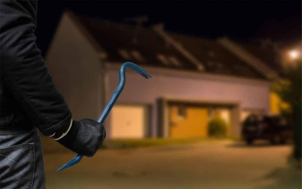 UNDERSTANDING AND PREVENTING HOUSE BURGLARY IN SOUTH AFRICA